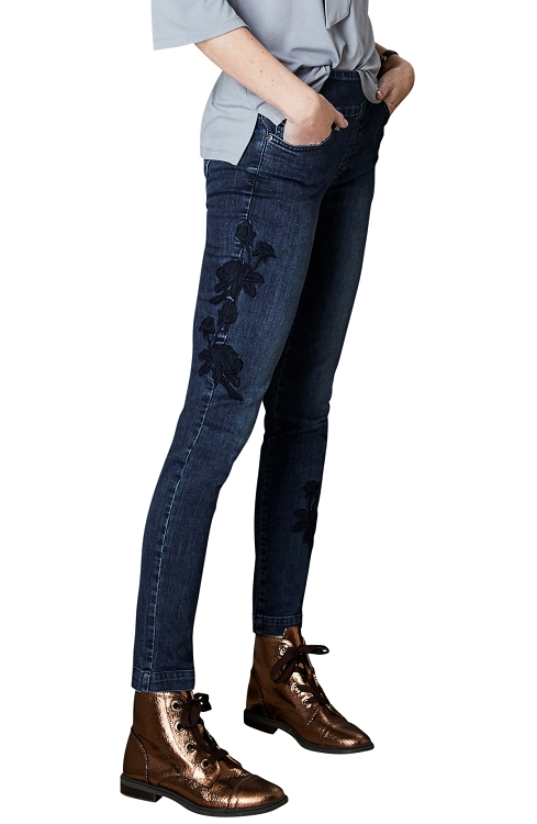 Lisette L. Skinny Leg Jeans Style 455782 Betty Denim With Flower Embroidery Color Denim Blue