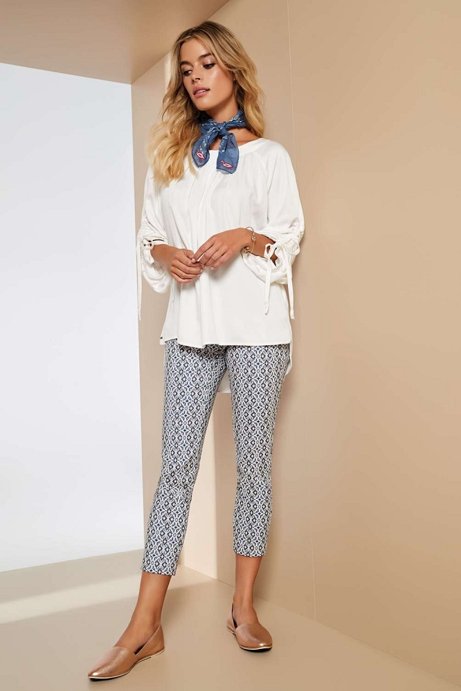 Lisette L. Slim Ankle Narrow Pant Style 47555 Palace Jacquard Print Color Marine Blue