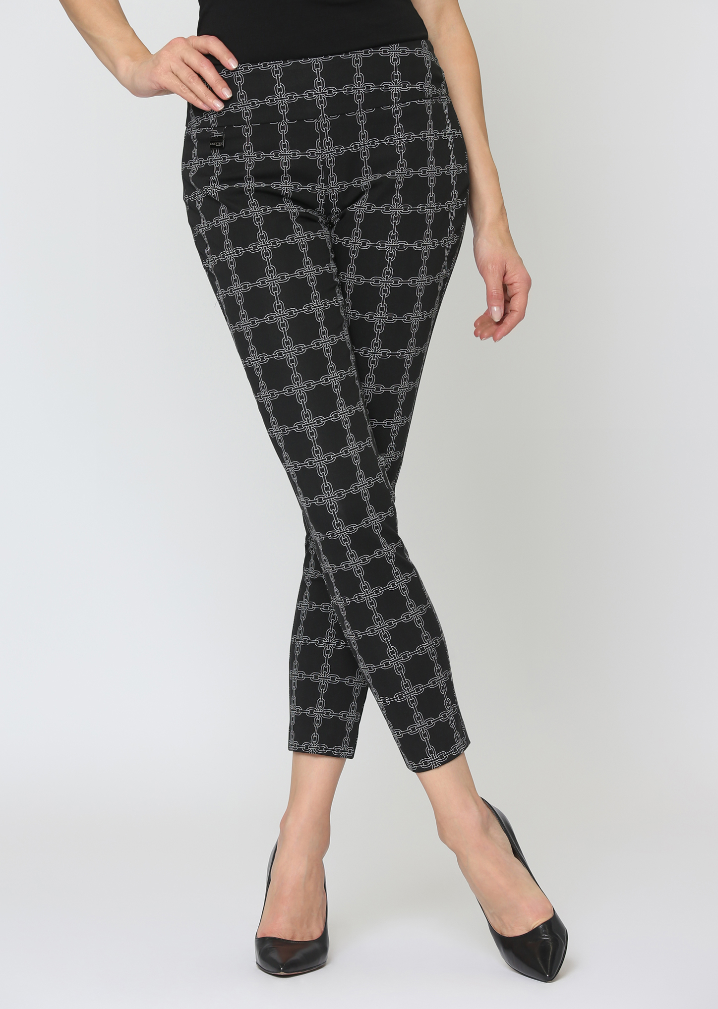 Lisette L. Thinny Crop Pant Style 65502 Chain Link Print Color Black-White